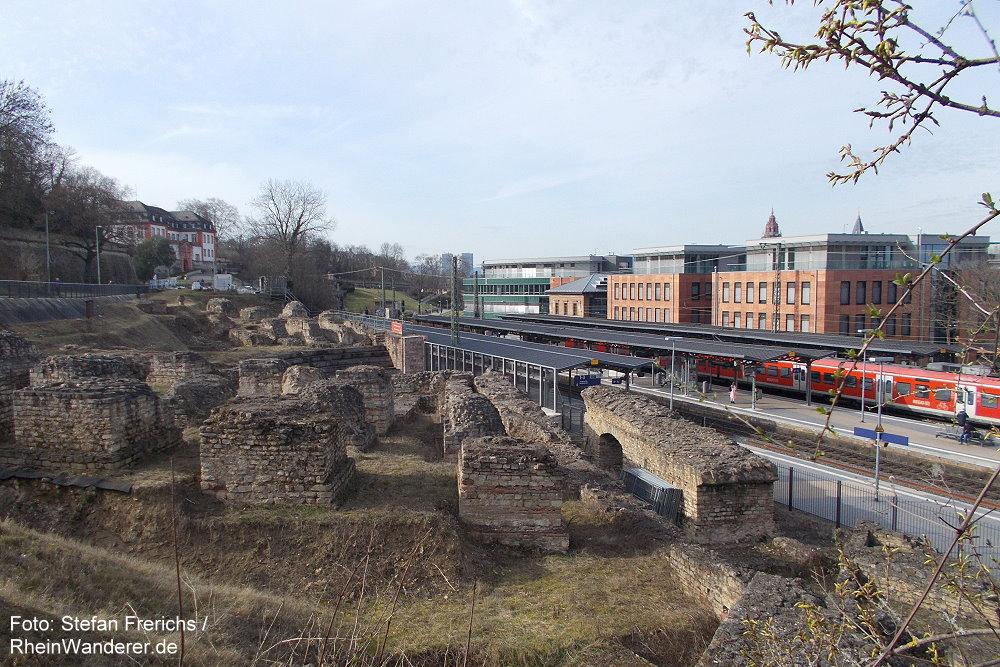 Oberrhein: Überreste des Römischen Theaters am Bahnhof Mainz Süd - Stefan Frerichs / RheinWanderer.de