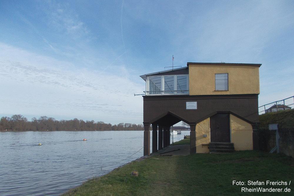 Oberrhein: Bootshaus bei Mainz-Weisenau - Stefan Frerichs / RheinWanderer.de