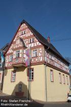 Oberrhein: Rathaus von Bodenheim - Foto: Stefan Frerichs / RheinWanderer.de