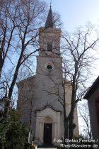 Oberrhein: Sankt-Alban-Kirche in Bodenheim - Foto: Stefan Frerichs / RheinWanderer.de