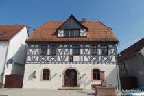 Oberrhein: Rathaus von Nackenheim - Stefan Frerichs / RheinWanderer.de