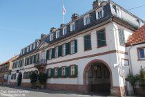 Oberrhein: Neues Schloss von Guntersblum - Foto: Stefan Frerichs / RheinWanderer.de