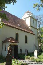 Oberrhein: Sankt-Bonifatius-Kirche mit Heidenturm in Alsheim - Foto: Stefan Frerichs / RheinWanderer.de