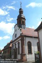 Oberrhein: Pfarrkirche von Mettenheim - Foto: Stefan Frerichs / RheinWanderer.de