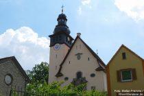 Oberrhein: Pfarrkirche von Bechtheim - Foto: Stefan Frerichs / RheinWanderer.de
