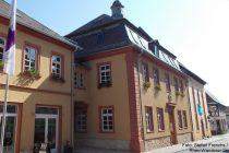 Oberrhein: Rathaus in Osthofen - Foto: Stefan Frerichs / RheinWanderer.de
