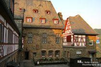 Mittelrhein: Innenhof von Burg Stahleck - Foto: Stefan Frerichs / RheinWanderer.de