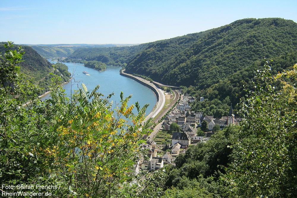 Mittelrhein: Blick vom Propsteiberg auf Hirzenach - Foto: Stefan Frerichs / RheinWanderer.de