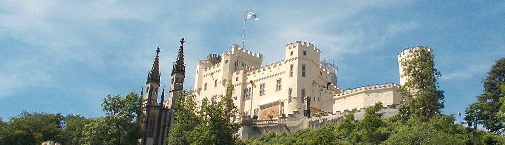 Mittelrhein: Blick auf Schloss Stolzenfels bei Koblenz - Foto: Stefan Frerichs / RheinWanderer.de