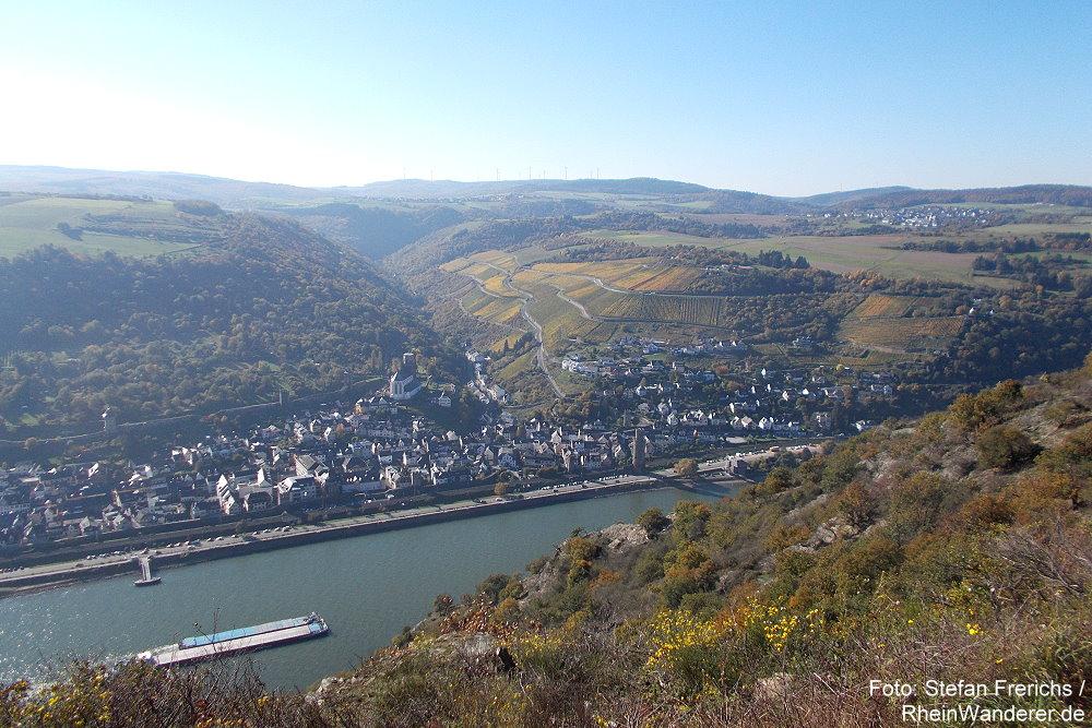 Mittelrhein: Blick Aussichtspunkt Hahnenplatte auf Oberwesel - Foto: Stefan Frerichs / RheinWanderer.de