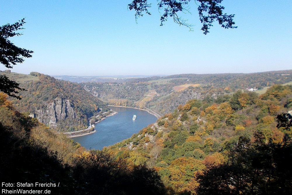 Mittelrhein: Blick über das Bornichbachtal rheinabwärts - Foto: Stefan Frerichs / RheinWanderer.de