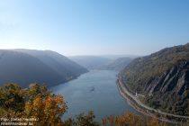 Mittelrhein: Blick vom Aussichtpunkt Felsenkanzel rheinaufwärts nach Oberwesel - Foto: Stefan Frerichs / RheinWanderer.de
