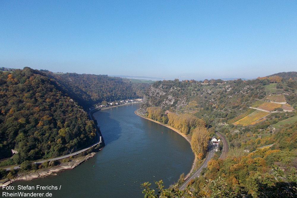 Mittelrhein: Blick vom Aussichtpunkt Spitznack rheinabwärts zur Loreley - Foto: Stefan Frerichs / RheinWanderer.de