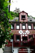 Mittelrhein: Blick aus der Altstadt von Sankt Goarshausen auf Burg Katz - Foto: Stefan Frerichs / RheinWanderer.de