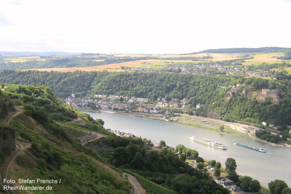 Mittelrhein: Blick auf Sankt Goar und Burg Rheinfels - Foto: Stefan Frerichs / RheinWanderer.de