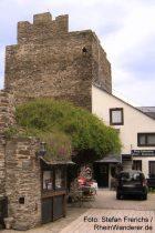Mittelrhein: Eingang von Burg Liebenstein - Foto: Stefan Frerichs / RheinWanderer.de