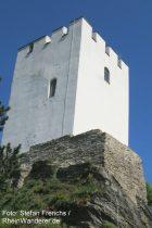 Mittelrhein: Bergfried von Burg Sterrenberg - Foto: Stefan Frerichs / RheinWanderer.de