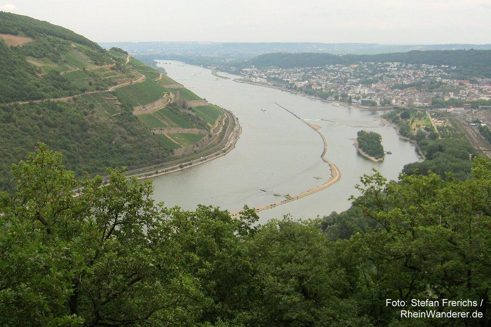 Mittelrhein: Blick auf Bingen und das Binger Loch - Foto: Stefan Frerichs / RheinWanderer.de