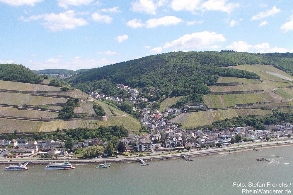 Mittelrhein: Blick vom Schweizerhaus auf Assmanshausen - Foto: Stefan Frerichs / RheinWanderer.de