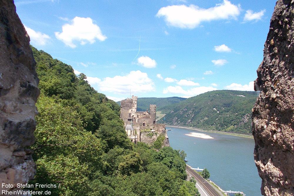 Mittelrhein: Blick auf Burg Rheinstein - Foto: Stefan Frerichs / RheinWanderer.de