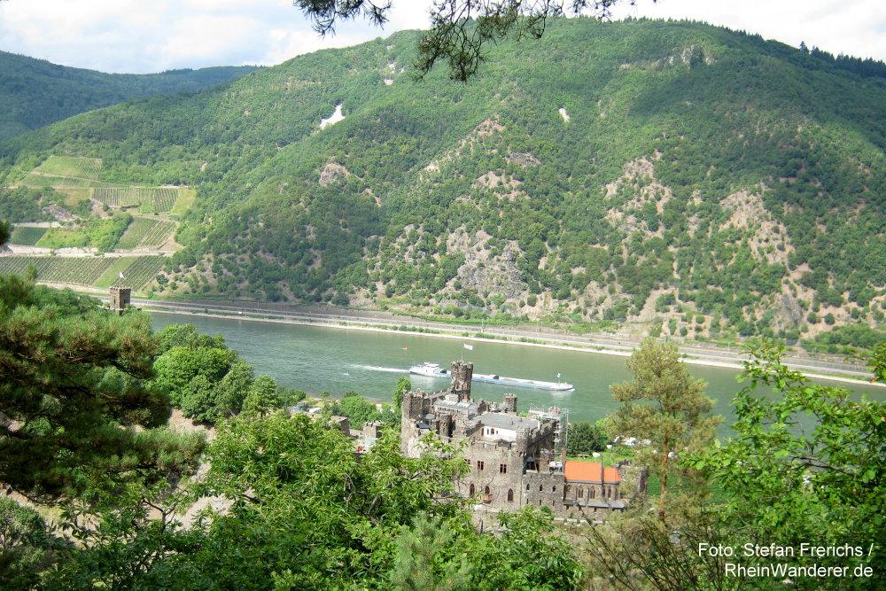 Mittelrhein: Blick auf Burg Reichenstein - Foto: Stefan Frerichs / RheinWanderer.de