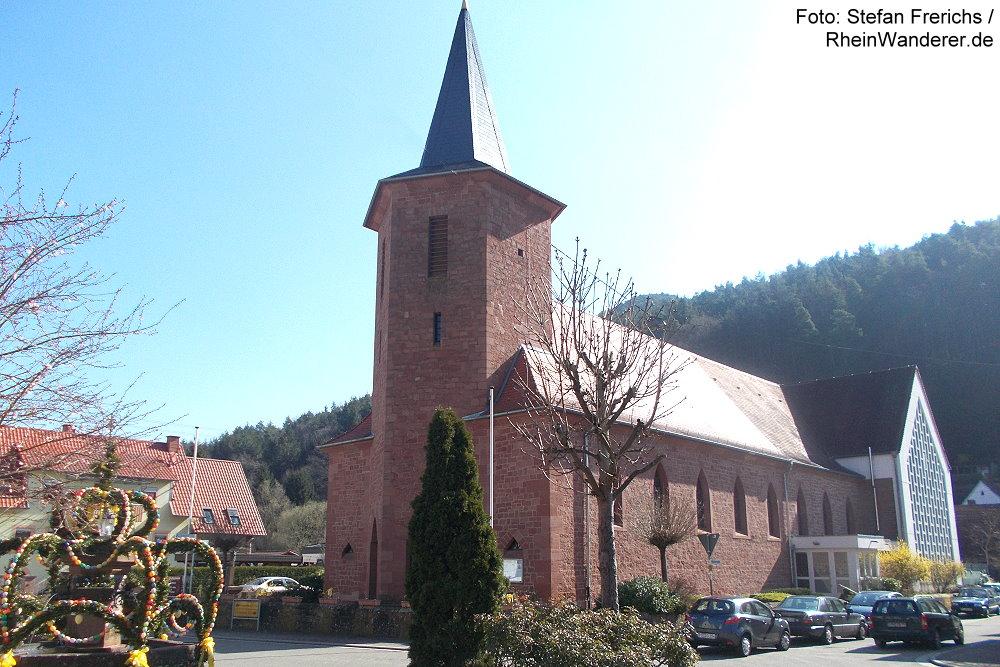 Pfälzerwald: Allerheiligen-Kirche in Lug - Foto: Stefan Frerichs / RheinWanderer.de