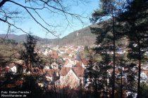 Pfälzerwald: Blick auf Lug - Foto: Stefan Frerichs / RheinWanderer.de
