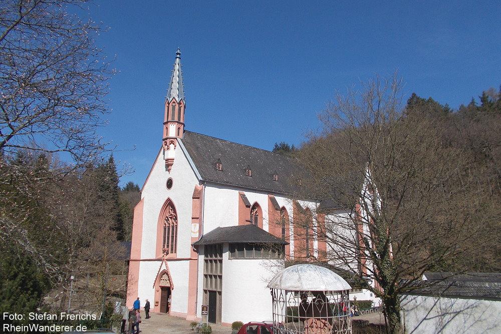 Inselrhein: Wallfahrtskirche von Kloster Marienthal - Foto: Stefan Frerichs / RheinWanderer.de