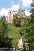 Mosel: Elzbachbrücke bei Burg Eltz - Foto: Stefan Frerichs / RheinWanderer.de