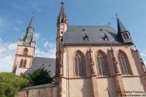 Inselrhein: Sankt-Valentinus-und Dionysius-Kirche und Sankt-Michaels-Kapelle in Kiedrich - Foto: Stefan Frerichs / RheinWanderer.de
