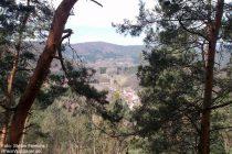 Pfälzerwald: Blick vom Aussichtspunkt bei den Isselmannsteinen auf Dimbach - Foto: Stefan Frerichs / RheinWanderer.de