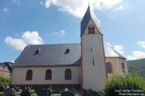 Mosel: Sankt-Stephanus-Kirche in Müden - Foto: Stefan Frerichs / RheinWanderer.de