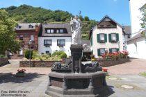 Mosel: Castor-Brunnen in Treis-Karden - Foto: Stefan Frerichs / RheinWanderer.de
