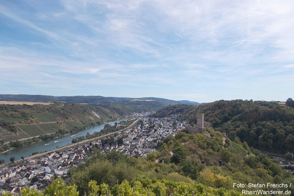 Mosel: Blick auf Kobern-Gondorf mit Niederburg - Foto: Stefan Frerichs / RheinWanderer.de