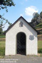 Mosel: Bachkapelle von Niederfell - Foto: Stefan Frerichs / RheinWanderer.de