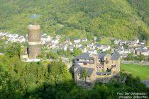 Mosel: Burg Bischofstein - Foto: Der Unfassbare / Wikipedia, gemeinfrei
