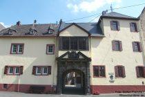 Mosel: Burghaus Wiltburg von Alken - Foto: Stefan Frerichs / RheinWanderer.de