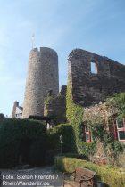 Mosel: Kölner Turm von Burg Thurant - Foto: Stefan Frerichs / RheinWanderer.de