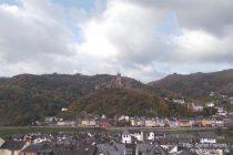 Mosel: Blick von Cochem-Cond auf die Reichsburg - Foto: Stefan Frerichs / RheinWanderer.de