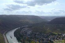 Mosel: Blick von Schöne Aussicht moselaufwärts - Foto: Stefan Frerichs / RheinWanderer.de