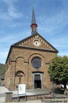 Mosel: Sankt-Lubentius-Kirche in Kobern - Foto: Stefan Frerichs / RheinWanderer.de