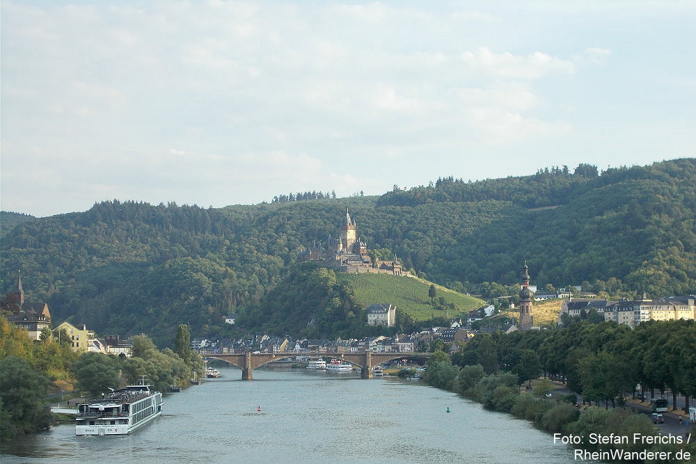 Mosel: Blick auf Cochem - Foto: Stefan Frerichs / RheinWanderer.de