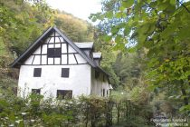 Eifel: Bücheler Mühle im Endertbachtal - Foto: Stefan Frerichs / RheinWanderer.de