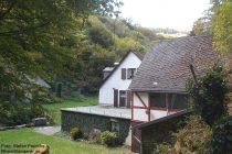 Eifel: Osters Mühle im Endertbachtal - Foto: Stefan Frerichs / RheinWanderer.de