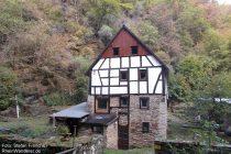 Eifel: Schneiders Mühle im Endertbachtal - Foto: Stefan Frerichs / RheinWanderer.de
