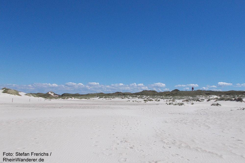 Amrum: Blick vom Strand zum Quermarkenfeuer - Foto: Stefan Frerichs / RheinWanderer.de