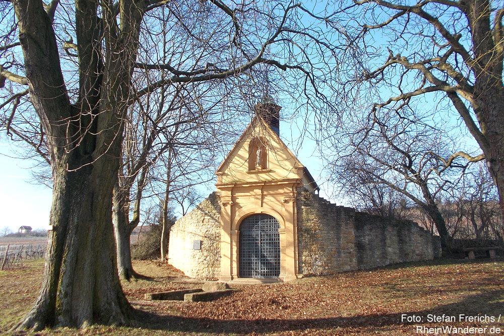 Pfälzerwald: Heiligenkirche oder Sankt-Peters-Kirche bei Bockenheim an der Weinstraße - Foto: Stefan Frerichs / RheinWanderer.de