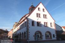 Pfälzerwald: Altes Rathaus in Grünstadt - Foto: Stefan Frerichs / RheinWanderer.de