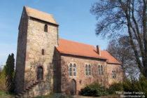 Pfälzerwald: Martinskirche von Battenberg - Foto: Stefan Frerichs / RheinWanderer.de