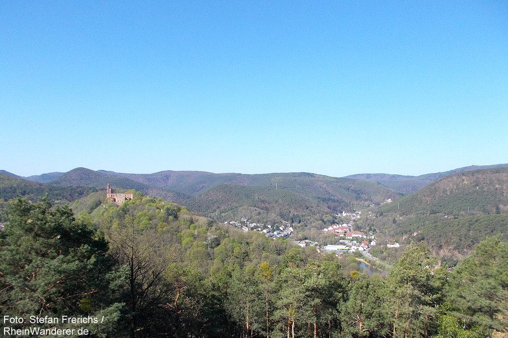 Pfälzerwald: Blick vom Aussichtspunkt Kaiser-Wilhelm-Höhe - Foto: Stefan Frerichs / RheinWanderer.de